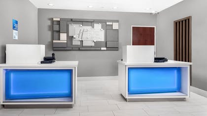 Lobby | Holiday Inn Express Hotel & Suites Conroe I-45 North