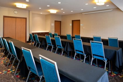 Featured Image | Holiday Inn Express & Suites Omaha West