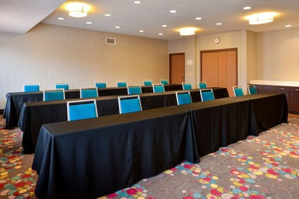 Meeting Facility | Holiday Inn Express & Suites Omaha West