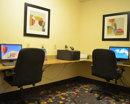 Miscellaneous | Holiday Inn Express & Suites Omaha West