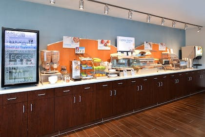 Restaurant | Holiday Inn Express & Suites Omaha West