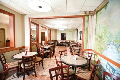Restaurant | Best Western Plus Sandusky Hotel & Suites