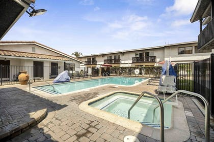 Property Grounds | Lemon Tree Hotel & Suites Anaheim