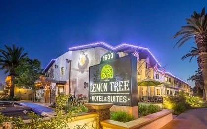 Featured Image | Lemon Tree Hotel & Suites Anaheim