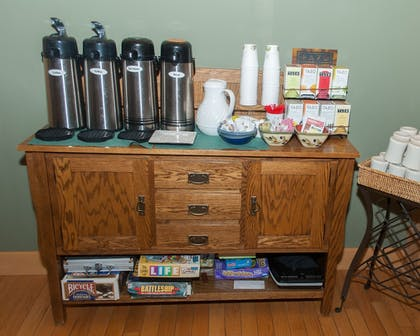 Coffee Service | Minnewaska Lodge