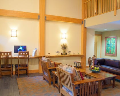 Lobby Sitting Area | Minnewaska Lodge