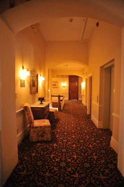 Hallway | Best Western Plus Windsor Hotel