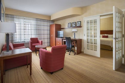 Guestroom | Courtyard by Marriott Boston-South Boston
