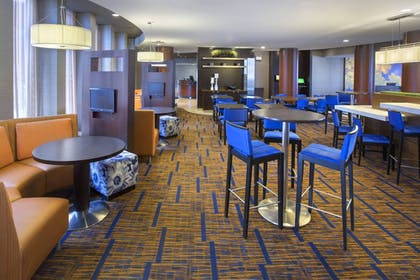Restaurant | Courtyard by Marriott Boston-South Boston