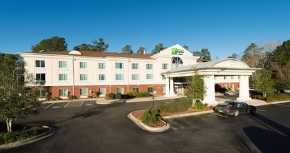 Featured Image | Holiday Inn Exp Walterboro