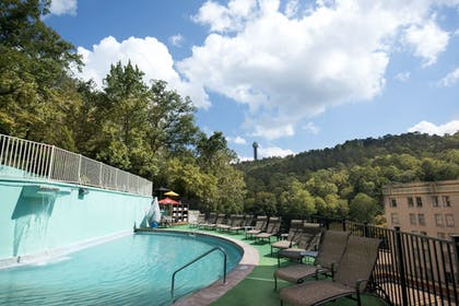 Outdoor Pool | Arlington Resort Hotel and Spa