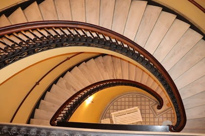Staircase | Arlington Resort Hotel and Spa