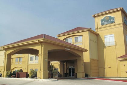 Featured Image | La Quinta Inn & Suites by Wyndham Kerrville