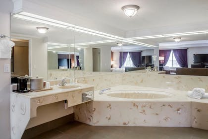 Jetted Tub | Quality Inn & Suites Murray – Salt Lake City South