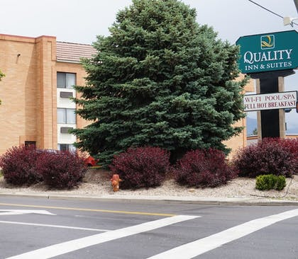 Hotel Front | Quality Inn & Suites Murray – Salt Lake City South