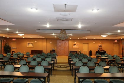 Ballroom | Holiday Inn Express Hotel & Suites Clearwater/Us 19 N