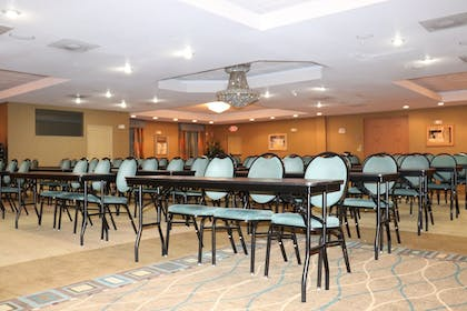Banquet Hall | Holiday Inn Express Hotel & Suites Clearwater/Us 19 N
