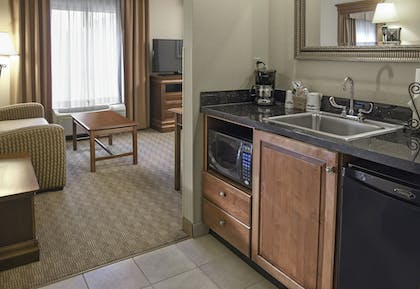 In-Room Kitchenette | Hampton Inn & Suites Youngstown- Canfield