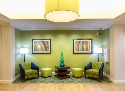 Lobby Sitting Area | Holiday Inn Express Hotel & Suites Montgomery E - Eastchase