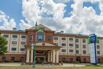 Exterior | Holiday Inn Express Hotel & Suites Montgomery E - Eastchase