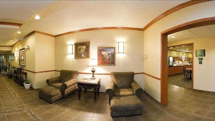 Lobby Sitting Area | Holiday Inn Express Hotel & Suites