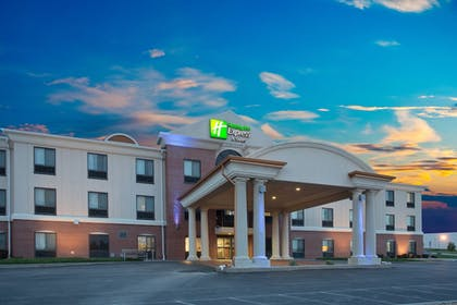Featured Image | Holiday Inn Express Hotel & Suites Concordia
