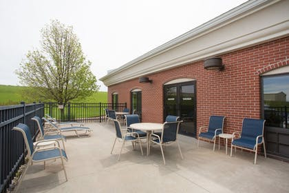 Terrace/Patio | Holiday Inn Express Hotel & Suites Concordia