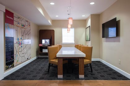 Lobby | TownePlace Suites by Marriott San Jose Campbell