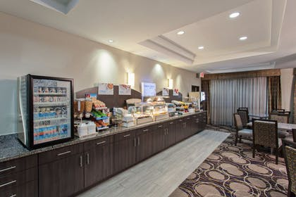 Restaurant | Holiday Inn Express Hotel & Suites Wharton