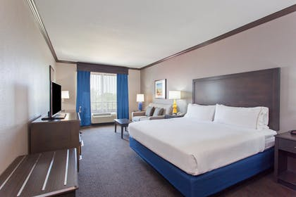 Room | Holiday Inn Express Hotel & Suites Wharton