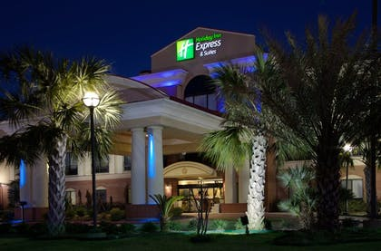 Featured Image | Holiday Inn Express Hotel & Suites Wharton