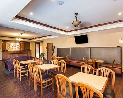 Breakfast Area | Comfort Suites McAllen
