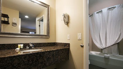 Bathroom | Best Western Woodland Hills Inn