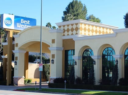 Featured Image | Best Western Woodland Hills Inn