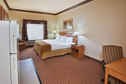Guestroom | Holiday Inn Express Hotel & Suites Jenks