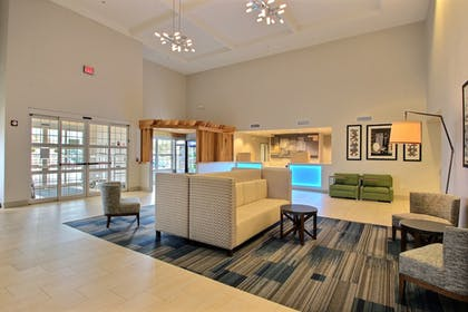 Interior Entrance | Holiday Inn Express Hotel & Suites Milwaukee Airport