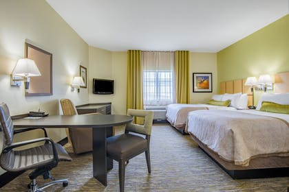 Guestroom | Candlewood Suites Jefferson City