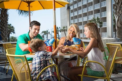 Outdoor Dining   hotel BLUE