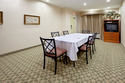 Meeting Facility | Holiday Inn Express® Windsor Sonoma Wine Country