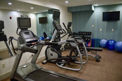Fitness Facility | Holiday Inn Express® Windsor Sonoma Wine Country
