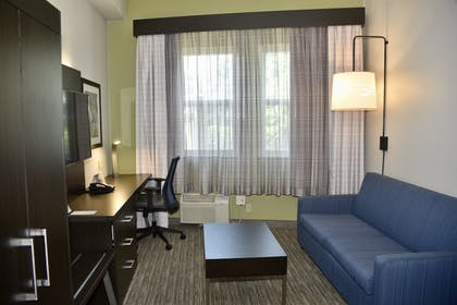 Room | Holiday Inn Express® Windsor Sonoma Wine Country