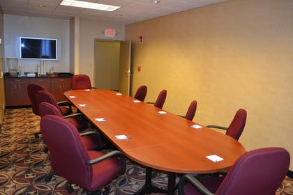 Meeting Facility | Holiday Inn Express Hotel & Suites Kent State University