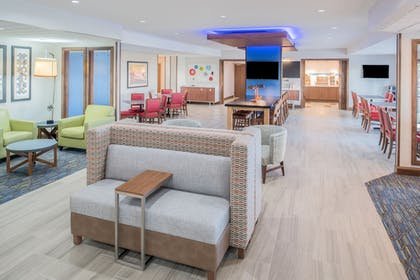 Lobby | Holiday Inn Express Hotel & Suites Bismarck