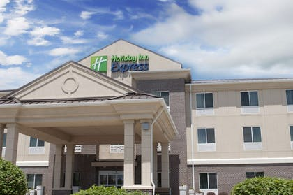 Exterior | Holiday Inn Express Hotel & Suites Ankeny-Des Moines