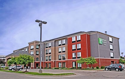 Exterior   Holiday Inn Express Hotel & Suites Cape Girardeau I-55