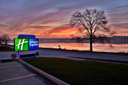 Miscellaneous | Holiday Inn Express Le Claire Riverfront-Davenport