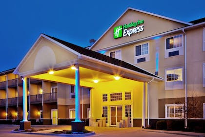 Exterior | Holiday Inn Express Le Claire Riverfront-Davenport