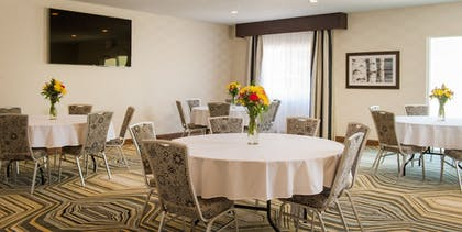 Meeting Facility | Holiday Inn Express Le Claire Riverfront-Davenport