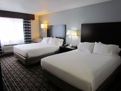 Guestroom | Holiday Inn Express Le Claire Riverfront-Davenport