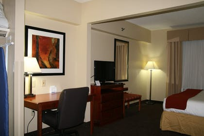 Room | Holiday Inn Express and Suites Greenville